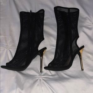 Forever 21 Shoes - Black booties